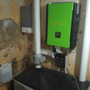 Гібридна фотоелектрична станція у приватному домоволодінні